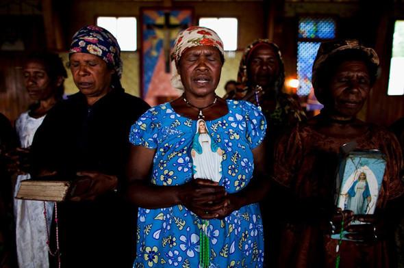 Папуа Новая Гвинея отБрента Стиртона. Изображение № 12.