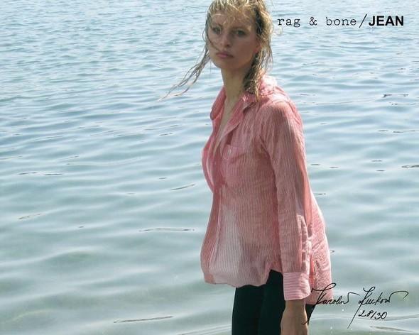 Кампания: Хелена Кристенсен сняла Каролину Куркову для Rag & Bone. Изображение № 28.