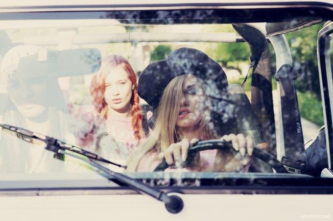 Wildfox посвятили кампанию фильму «Бестолковые». Изображение № 39.