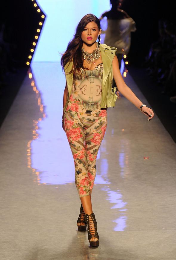 New York Fashion Week: Betsey Johnson Spring 2012. Изображение № 31.