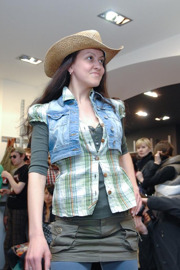 Презентация коллекции TERRANOVA сезона весна-лето 2010. Изображение № 2.