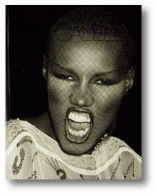 Клубная мания: 10 фотоальбомов о безумной ночной жизни . Изображение №1.
