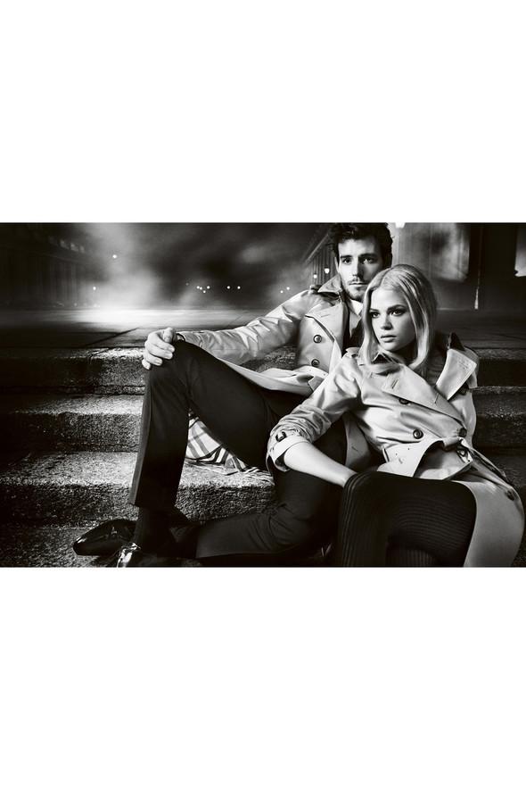 Кампании: Dior, Versace, Gucci и Burberry. Изображение № 46.