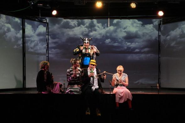 Театральное диво прошлой недели: Сны Василисы Егоровны Подеревянского. Изображение № 15.
