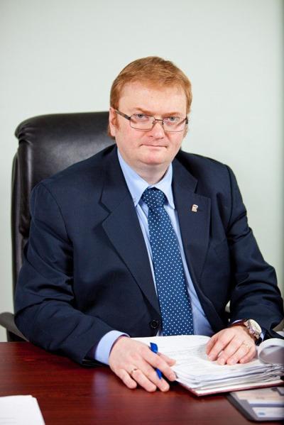 Российские звезды хотят лишить Милонова депутатского мандата. Изображение № 1.