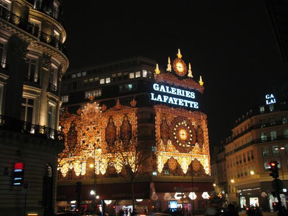 Париж Рождественский. Изображение № 7.