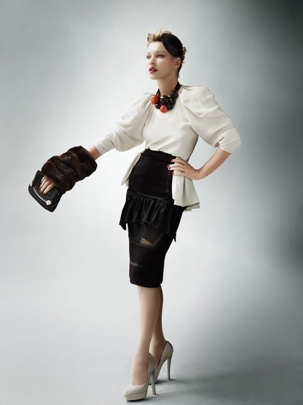 Съёмка: Кейт Мосс для британского Vogue. Изображение № 5.