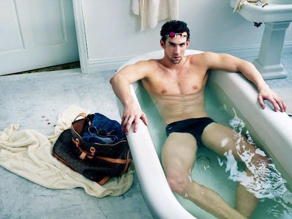 Пловец Майкл Фелпс и гимнастка Лариса Латынина снялись для рекламы Louis Vuitton. Изображение № 1.