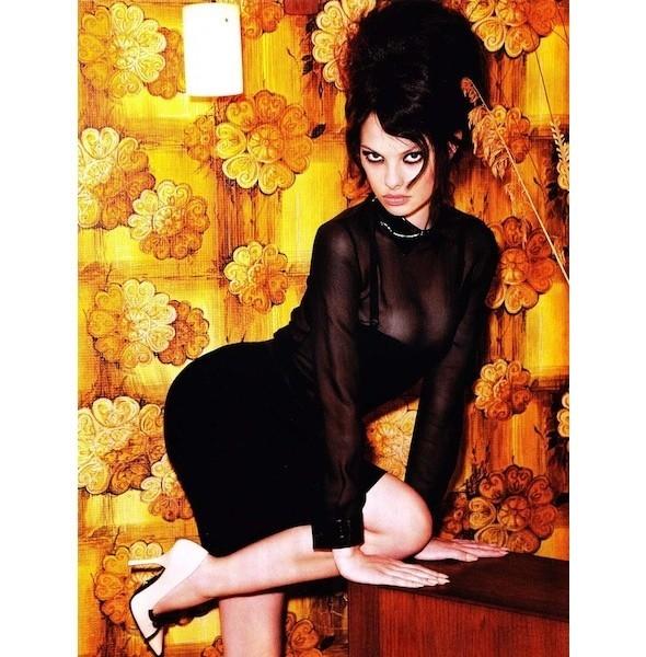 5 новых съемок: Dossier, Elle, V и Vogue. Изображение № 41.