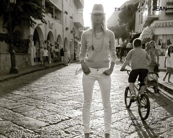 Кампания: Хелена Кристенсен сняла Каролину Куркову для Rag & Bone. Изображение № 7.