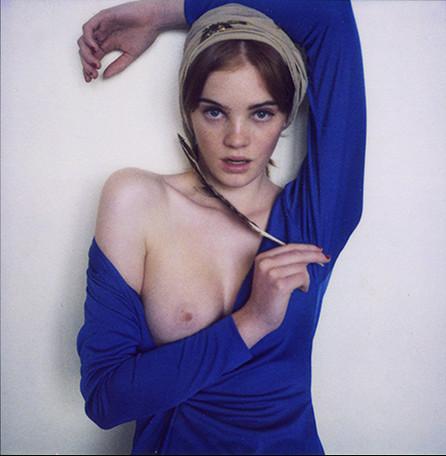 Части тела: Обнаженные женщины на фотографиях 1990-2000-х годов. Изображение №298.