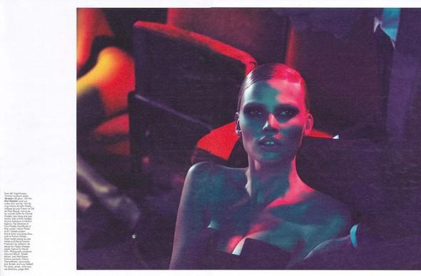 Съемка: Лара Стоун в объективе Мерта Аласа и Маркуса Пигго. Изображение № 4.