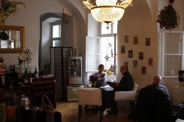 Изображение 24. Кто живет в Праге. Часть первая: чехи.. Изображение № 4.