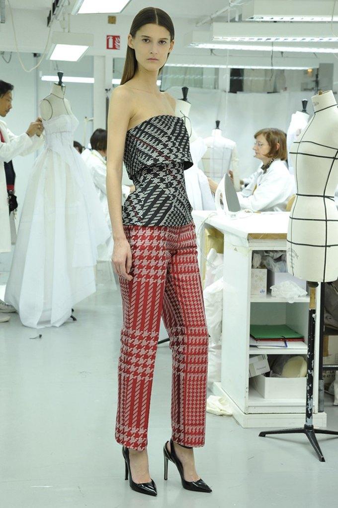 Вышли предосенние лукбуки Dior, Giles и Philosophy. Изображение № 3.