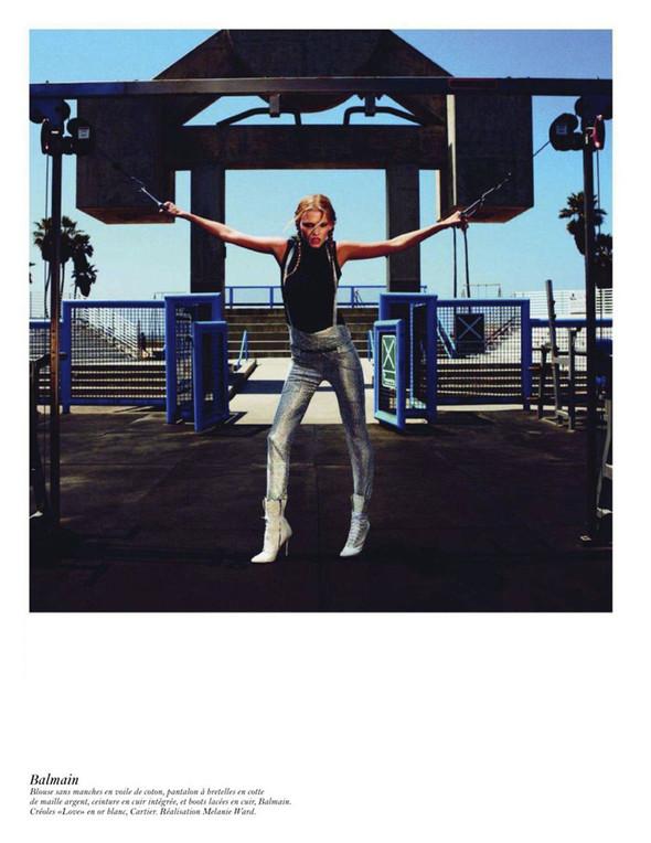 Съёмка: Аризона Мьюз, Лара Стоун, Наташа Поли и другие модели во французском Vogue. Изображение № 55.