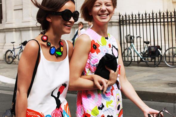 Уличный стиль на Неделе высокой моды в Париже. Изображение № 114.