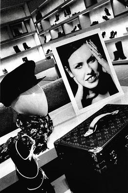 Модный дайджест: Самый современный дизайнер, причины популярности Chanel и явление Demi-couture. Изображение № 7.