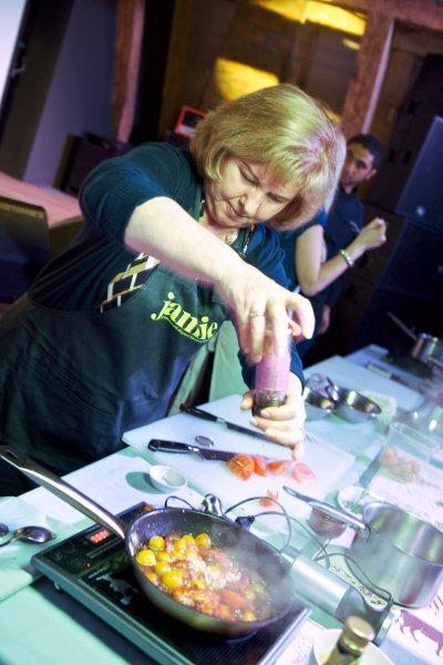В ресторане Река прошел «оранжевый» кулинарный мастер-класс и ужин. Изображение № 9.