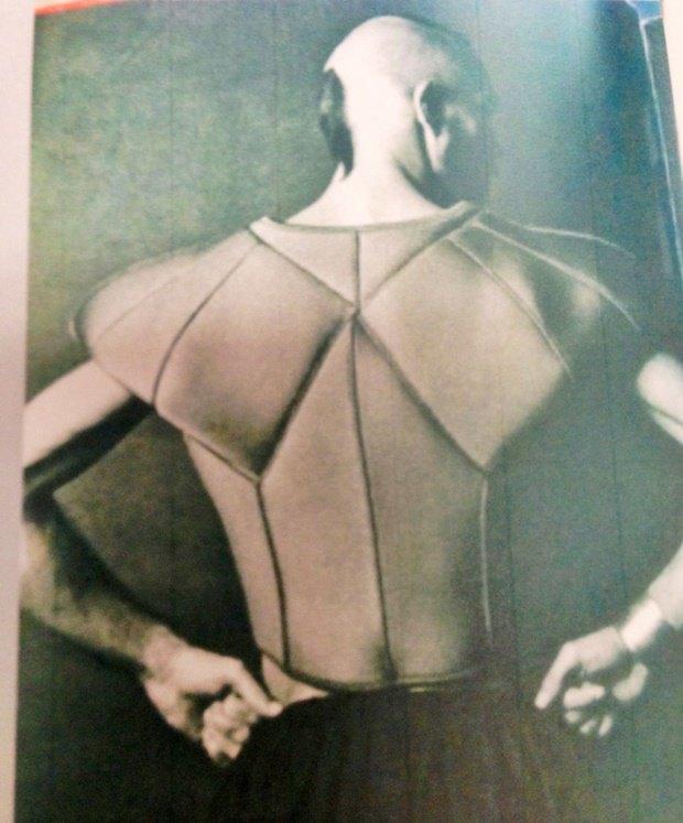 Стилист рассказал о мудборде для костюмов из «Города героев». Изображение № 15.
