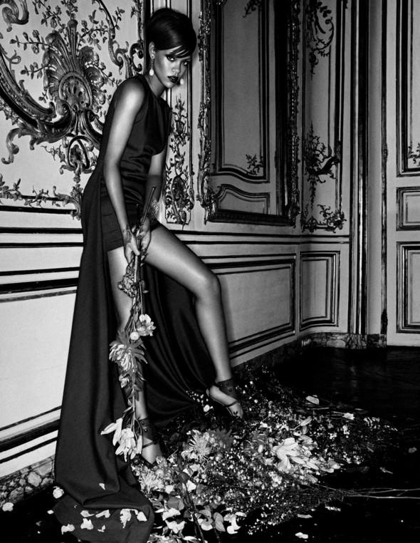 Rihanna в журнале Interview. Изображение № 3.