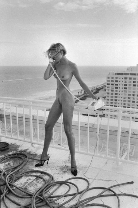Helmut Newton-гурман женской плоти. Изображение № 17.