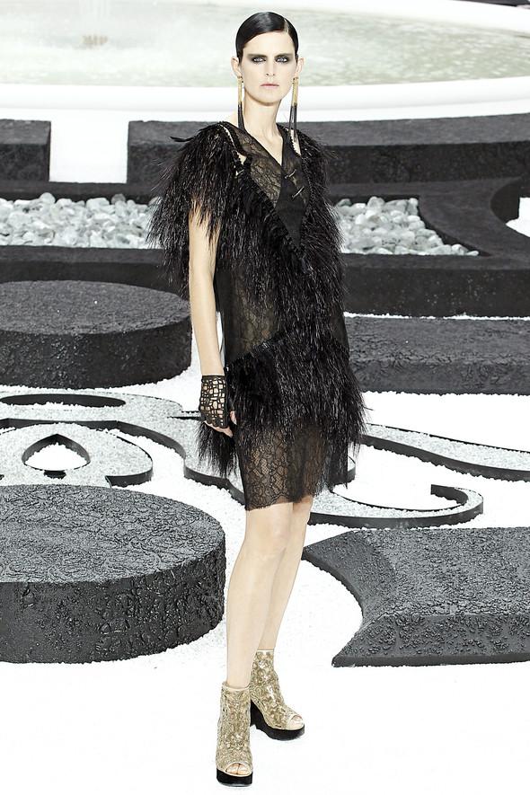 Карл Лагерфельд показал одну из самых красивых коллекций, когда-либо созданных для Chanel. Изображение № 65.