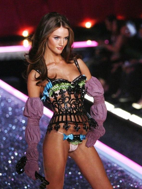 Victoria's Secret Lingerie Fashion Show 2008. Изображение № 45.