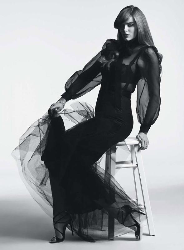 Съёмка: Робин Лоули для австралийского Vogue. Изображение № 5.