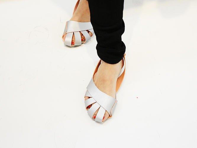 Китайский дизайнер представил складную обувь-оригами. Изображение № 2.