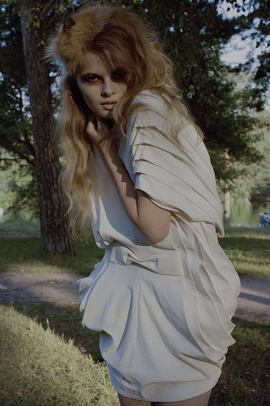 Платье, которое хочется снять. Изображение № 7.