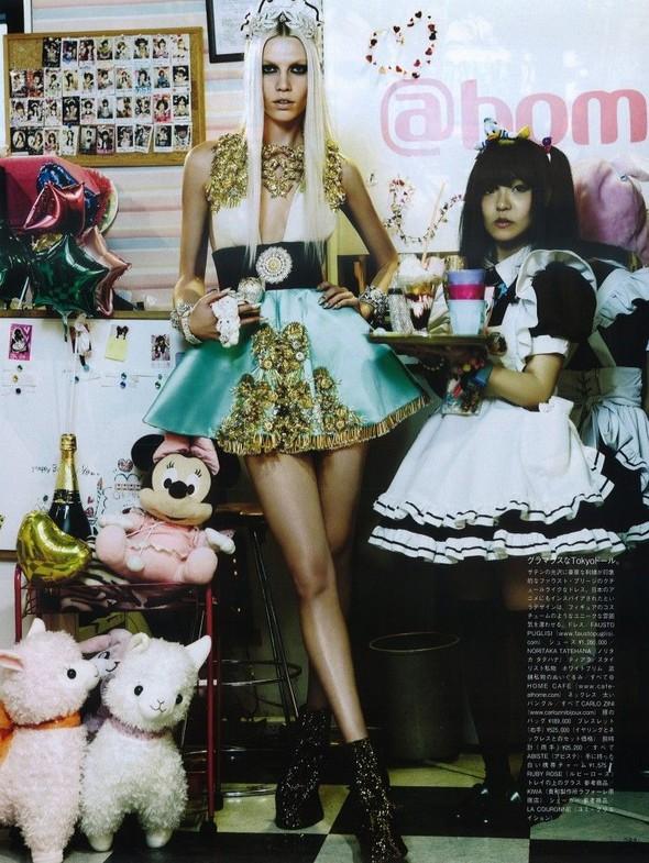 Элин Вебер The Girl Who Rocks The Planet в апрельском Vogue Япония. Изображение № 18.