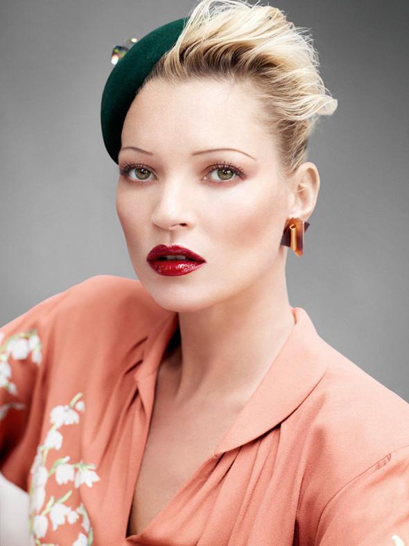 Съёмка: Кейт Мосс для британского Vogue. Изображение № 7.
