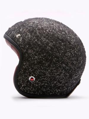 Шлемы отКарла Лагерфельда: хотим, нобоимся. Изображение № 6.