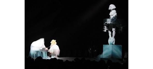 Выступление Леди Гаги на Brit Awards. Изображение № 6.