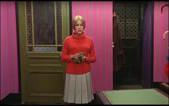 Movie-Looks: «Шербурские зонтики». Изображение № 10.