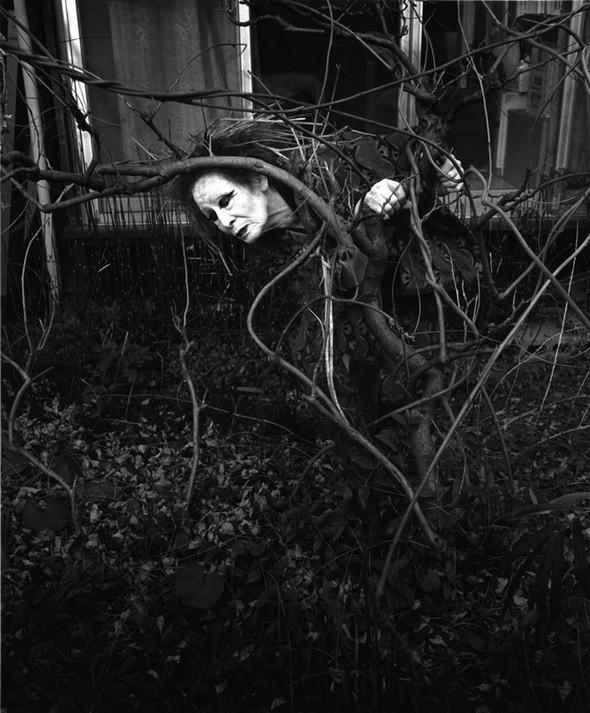 Еще восемь фотографов сюрреалистов. Изображение № 134.