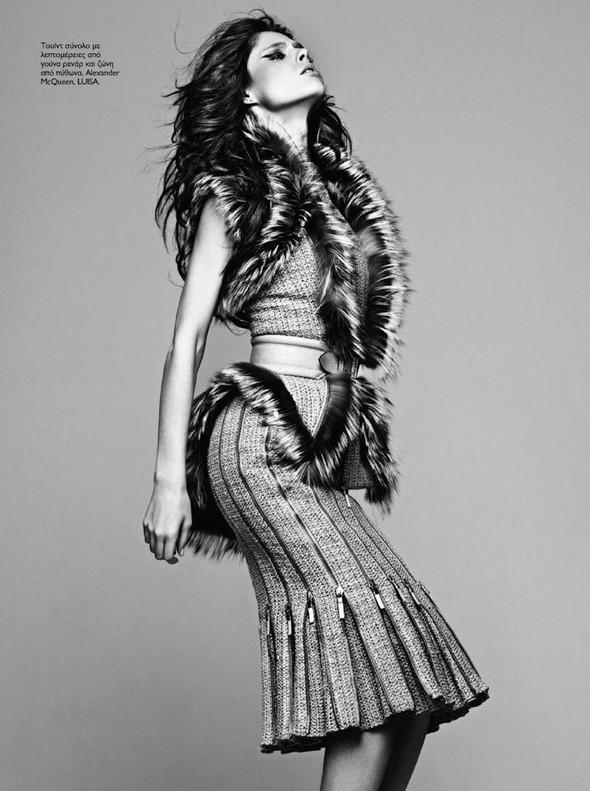 Съёмка: Коко Роша для Madame Figaro. Изображение № 2.