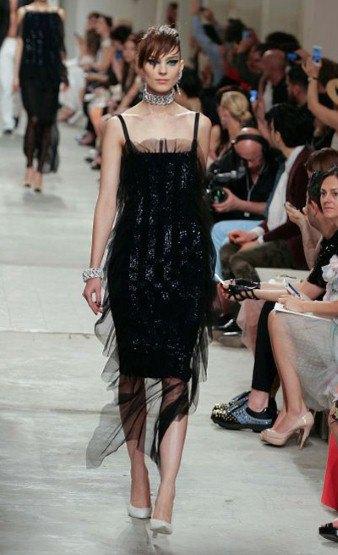 Chanel показали круизную коллекцию в Сингапуре. Изображение № 8.
