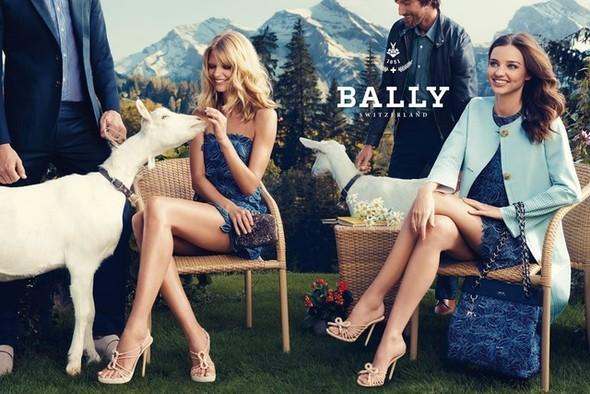 Превью кампании: Миранда Керр и Юлия Штегнер для Bally SS 2012. Изображение № 1.