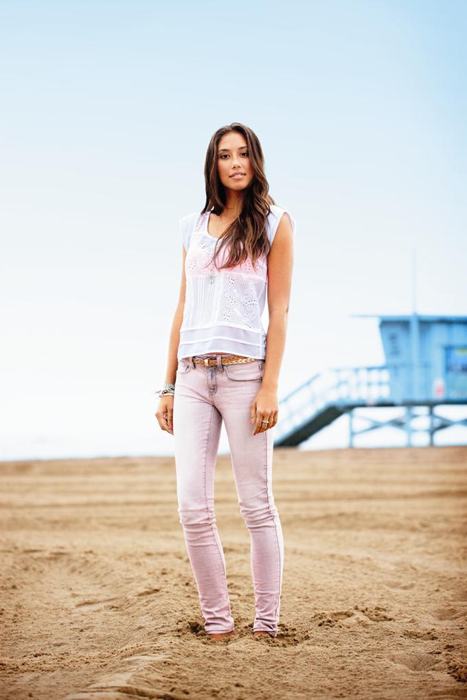 Chanel, Trends Brands и Urban Outfitters показали новые лукбуки. Изображение № 52.