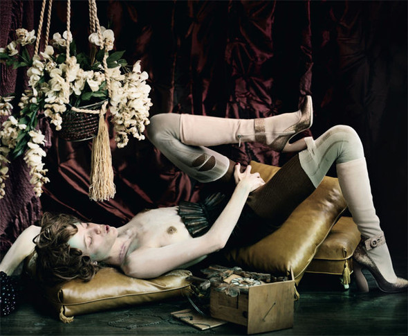 Съёмка: Vive La Decadence из Dazed & Confused. Изображение № 3.
