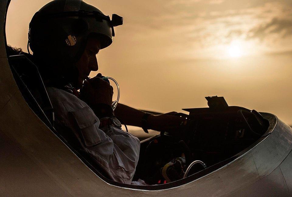 Первый самолёт  на солнечной энергии,  который долетит  на край света. Изображение № 11.
