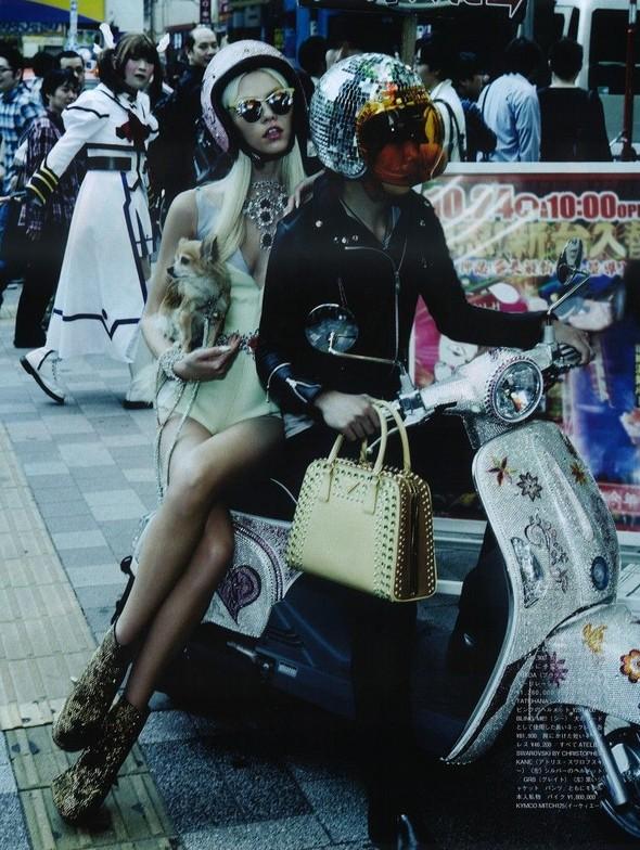 Элин Вебер The Girl Who Rocks The Planet в апрельском Vogue Япония. Изображение № 14.