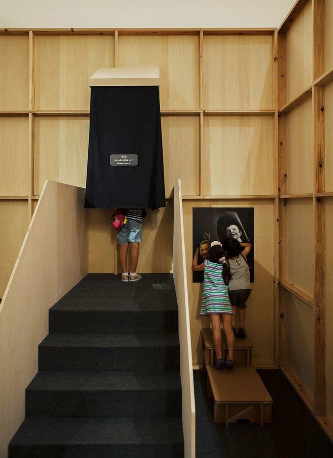 В Токио детям разрешили бегать и шуметь в музее. Изображение № 6.