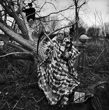Изображение 13. Восемь фотографов сюрреалистов.. Изображение № 71.