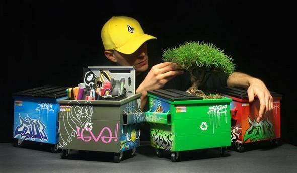 Настольные граффити-контейнеры для цветов и всякой всячины. Изображение № 1.