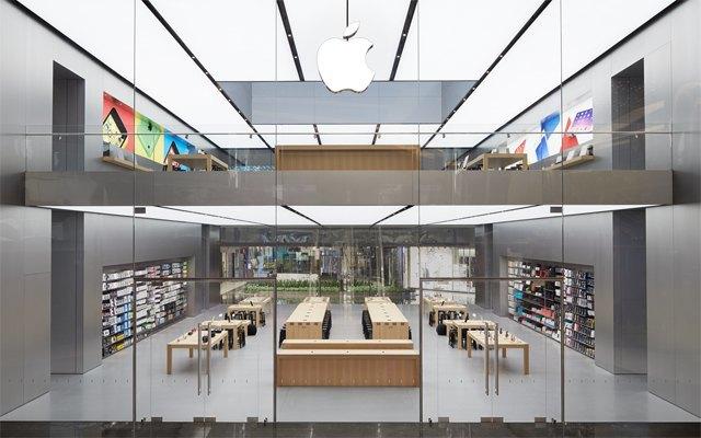 Опубликованы фотографии первого магазина Apple бюро Foster + Partners . Изображение № 2.