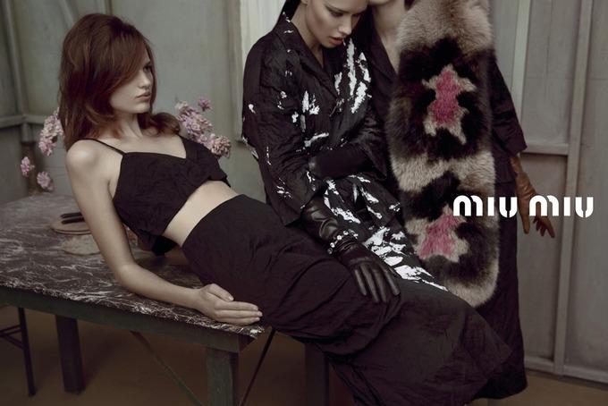 Miu Miu выпустили кампанию с Крус и Лимой. Изображение № 1.