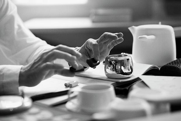 Дизайнер Марк Ньюсон создал серебряный чайный сервиз. Изображение № 21.