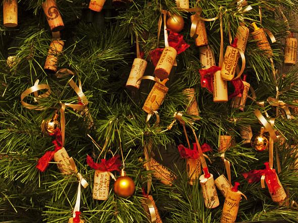 Новогодние украшения из винных пробок. Изображение № 1.